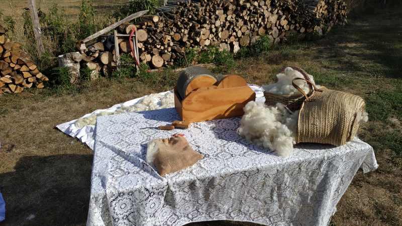 Cardage de la Laine avec une cardeuse à rouleaux - Laines et Bouclettes
